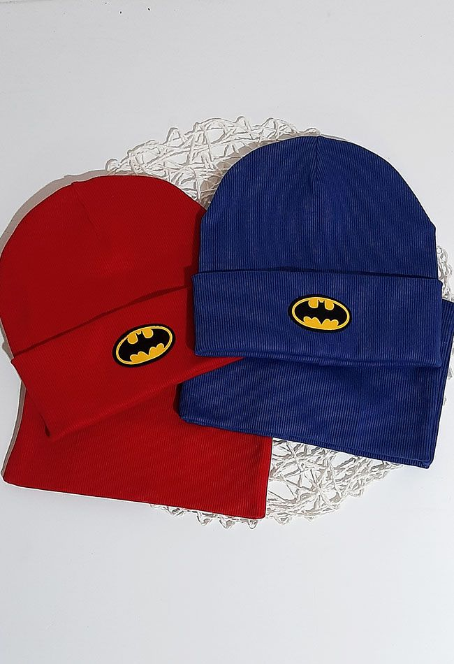 Комплект вязаный шапка и баф Batman Микс