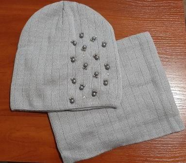 Комплект вязаный шапка и баф Kraft бусины Микс