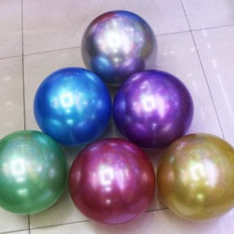 Мяч блестящий