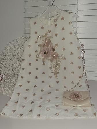 Платье нарядное Сердечки Молочный