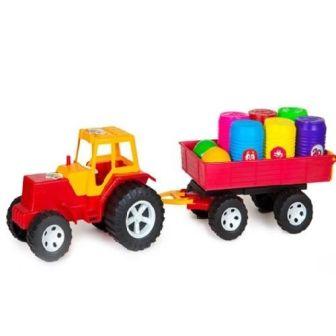 Трактор с прицепом и бочонками